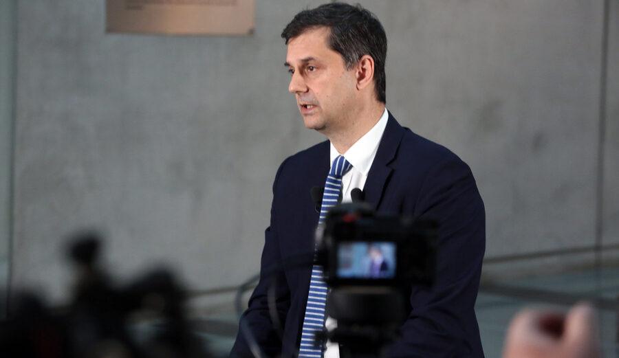 Ο υπουργός Τουρισμού Χάρης Θεοχάρης © ΑΠΕ-ΜΠΕ