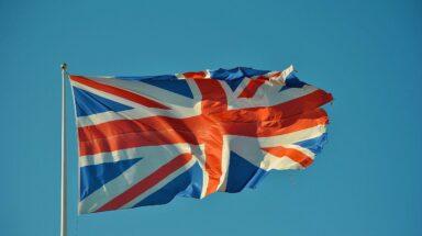 Μ. Βρετανία: Η πανδημία διεύρυνε την εισοδηματική ανισότητα