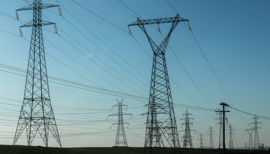 Συνεχίζεται η αποκατάσταση της ηλεκτροδότησης από τον ΔΕΔΔΗΕ