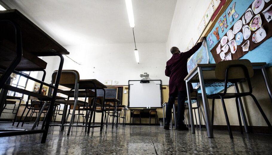 Ιταλία: Οι λυκειάρχες ζητούν τον υποχρεωτικό εμβολιασμό εκπαιδευτικών