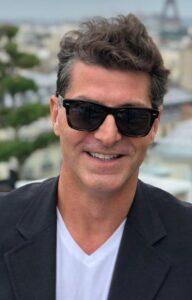 Εδώ και αρκετά χρόνια, τα ηνία της εταιρείας έχει αναλάβει ο γιος του Μάνος Τζατζιμάκης © Facebook