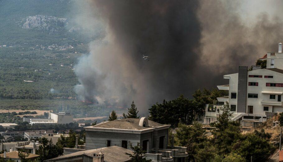 Φωτιά στη Βαρυμπόμπη © Eurokinissi